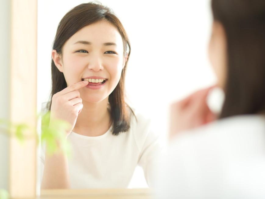 差し歯や詰め物もホワイトニングで白くなる?黄ばみを落とす方法について