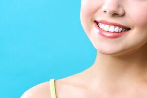 歯を白くする方法は?継続的に行うことで好印象な口元へ