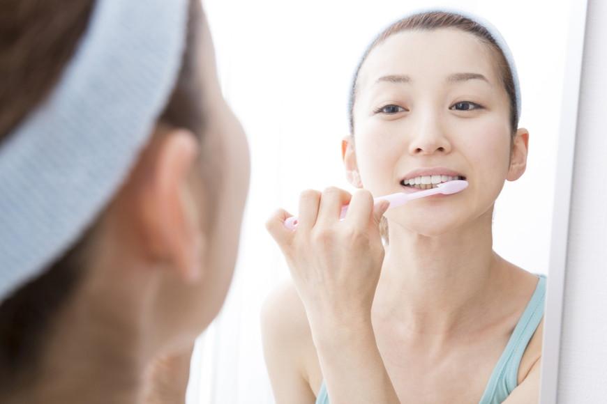 歯の黄ばみをケアしたい!黄ばみの原因と自然な白い歯を取り戻す方法