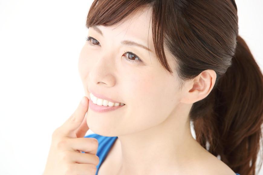 ホワイトニングで歯がもろくなる?歯のダメージを防ぐおすすめの方法とは